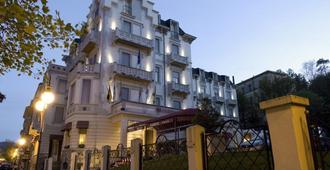 弗羅里達別墅 - 聖馬格爾溫泉 - 薩索馬吉奧萊 德曼 - 建築