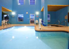 GrandStay Residential Suites Hotel Rapid City - Rapid City - Πισίνα