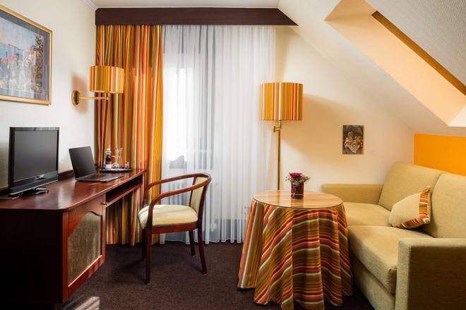 魯文艾特澤爾酒店 - 斯圖加特 - 斯圖加特 - 客廳