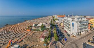Hotel Austria - Caorle - Outdoors view