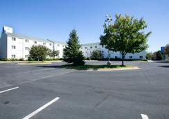 Motel 6 Minneapolis - Brooklyn Center - Brooklyn Center - Outdoors view