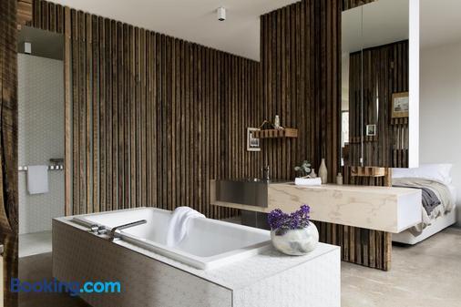 Drift House - Port Fairy - Bathroom