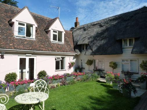 The Willows Guesthouse - Bishop's Stortford - Building