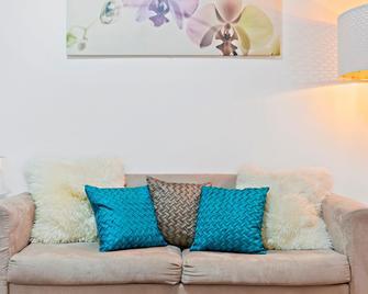 Pelicanstay In Bondi Beach - Bondi Beach - Living room
