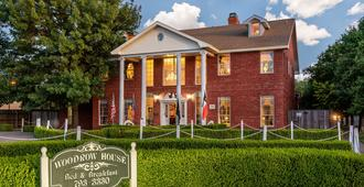 Woodrow House Bed and Breakfast - Lubbock
