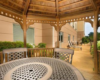 Fairfield Inn & Suites by Marriott Marshall - Marshall - Terasa