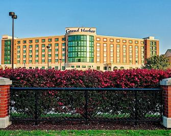 Grand Harbor Resort and Waterpark - Dubuque - Building