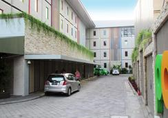 珀豪酒店雷吉安斯里峇里 - 庫塔 - 庫塔 - 室外景