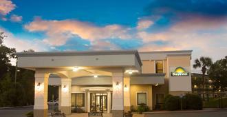 Days Inn by Wyndham Valdosta/Near Valdosta Mall - Valdosta - Edificio