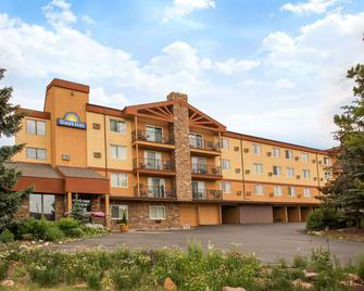 Days Inn by Wyndham Silverthorne - Silverthorne - Edificio
