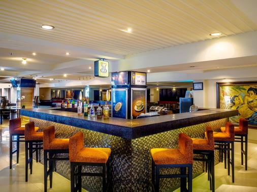 Aston Kuta Hotel and Residence - Kuta - Bar