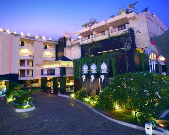 Aston Kuta Hotel and Residence - Kuta - Building