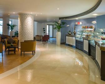 Bahi Ajman Palace Hotel - Ajman - Restaurant