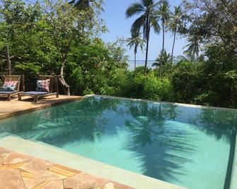 Bellevue Guesthouse - Bwejuu - Pool