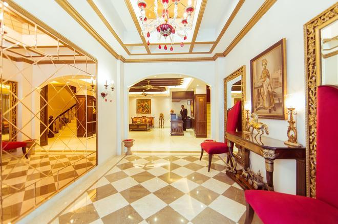 Clark International - New Delhi - Lobby