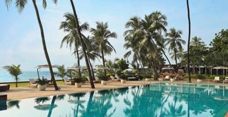 Novotel Mumbai Juhu Beach - Bombay - Havuz