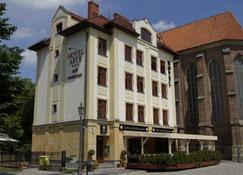 Hotel Arte - Brzeg - อาคาร