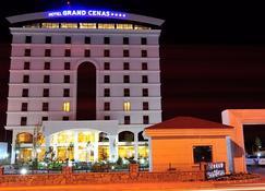 Grand Cenas Hotel - Ağrı - Edificio