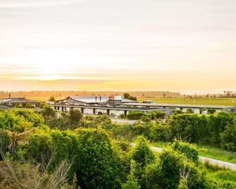 Heartland Hotel Haast - Haast - Outdoors view
