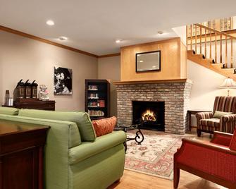 Country Inn & Suites by Radisson, Clinton, IA - Clinton - Huiskamer