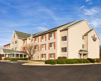 Country Inn & Suites by Radisson, Clinton, IA - Clinton - Building
