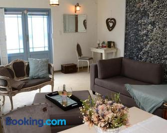Milky Way Holiday Home - Paternoster - Wohnzimmer