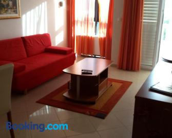 Apartments Silvana - Доньї-Сегет - Living room