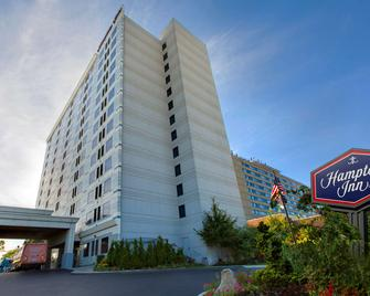 Hampton Inn Jfk Airport - Queens - Building