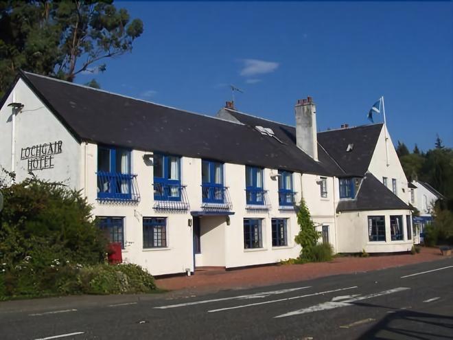Lochgair Hotel - Lochgilphead - Building