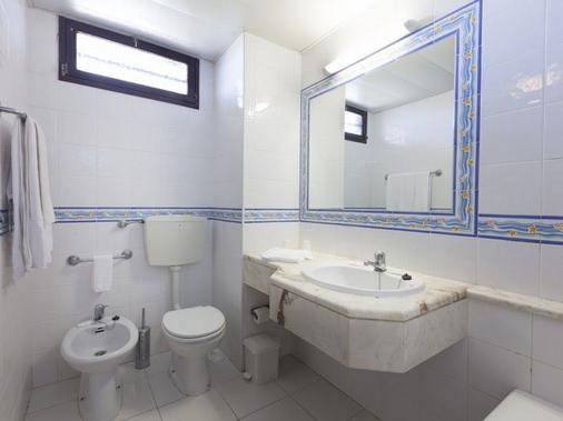Auramar Beach Resort - Albufeira - Bathroom
