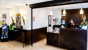 Appart'hôtel Saint Jean - Lourdes - Front desk