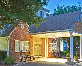 Microtel Inn & Suites by Wyndham Cherokee - Cherokee - Building