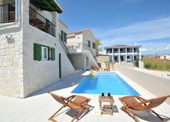 Apartments Corte - Privlaka - Bể bơi