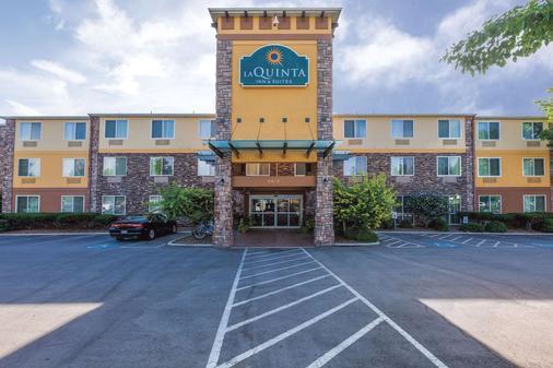 La Quinta Inn & Suites by Wyndham Boise Airport - Boise - Toà nhà