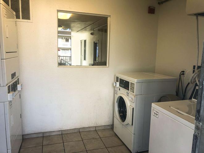 傑克遜維爾 - 橘園市 6 號汽車旅館 - 傑克遜維爾 - 杰克遜維爾(佛羅里達州) - 洗衣設備