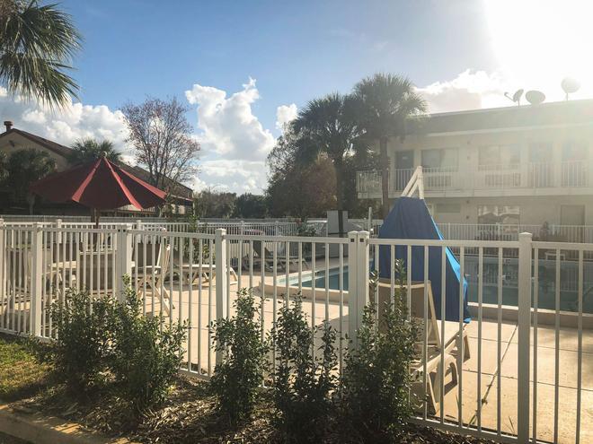 傑克遜維爾 - 橘園市 6 號汽車旅館 - 傑克遜維爾 - 杰克遜維爾(佛羅里達州) - 游泳池
