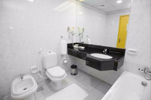 Comfort Inn Hotel - Dubai - Bathroom