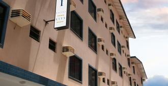 Sandri City Hotel - בלנאריו קמבוריו - בניין
