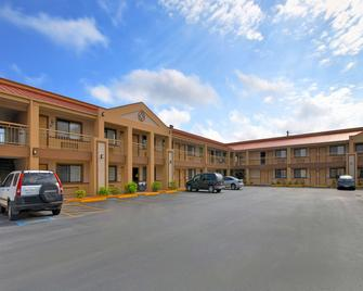 Americas Best Value Inn Kingsville - Kingsville - Gebäude