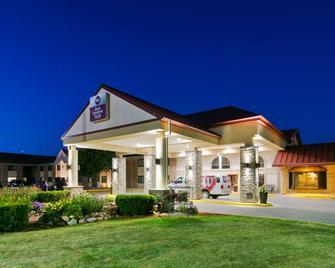 Best Western Plus Ramkota Hotel - Sioux Falls - Building