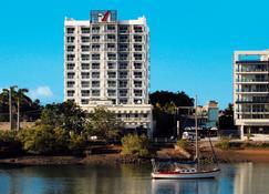 โรงแรมโอ๊คส์ ทาวน์สวิลล์ เมโทรโพล - ทาวน์สวิลล์ - อาคาร