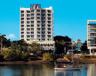 Oaks Townsville Metropole Hotel - Таунсвіль - Building