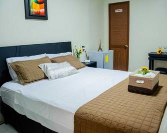 Hotel París - Machala - Habitación