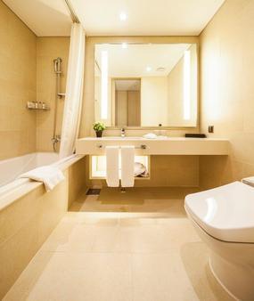 Hotel The Born Jeju - Thành phố Seogwipo - Phòng tắm