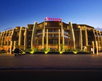 Ramada Resort by Wyndham Dar es Salaam - Daressalam - Gebäude