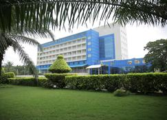 Hotel Ecole Lebenin - Lomé - Building