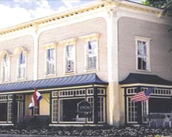 The Inn in Westport - Westport - Building