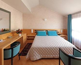 Hotel Contà - Pieve di Soligo - Спальня