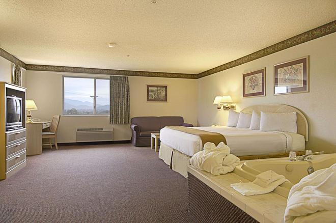 Ramada Limited Redding - Redding - Bedroom