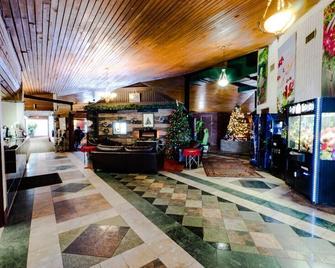 Vegreville Garden Inn - Веґревіль - Lobby
